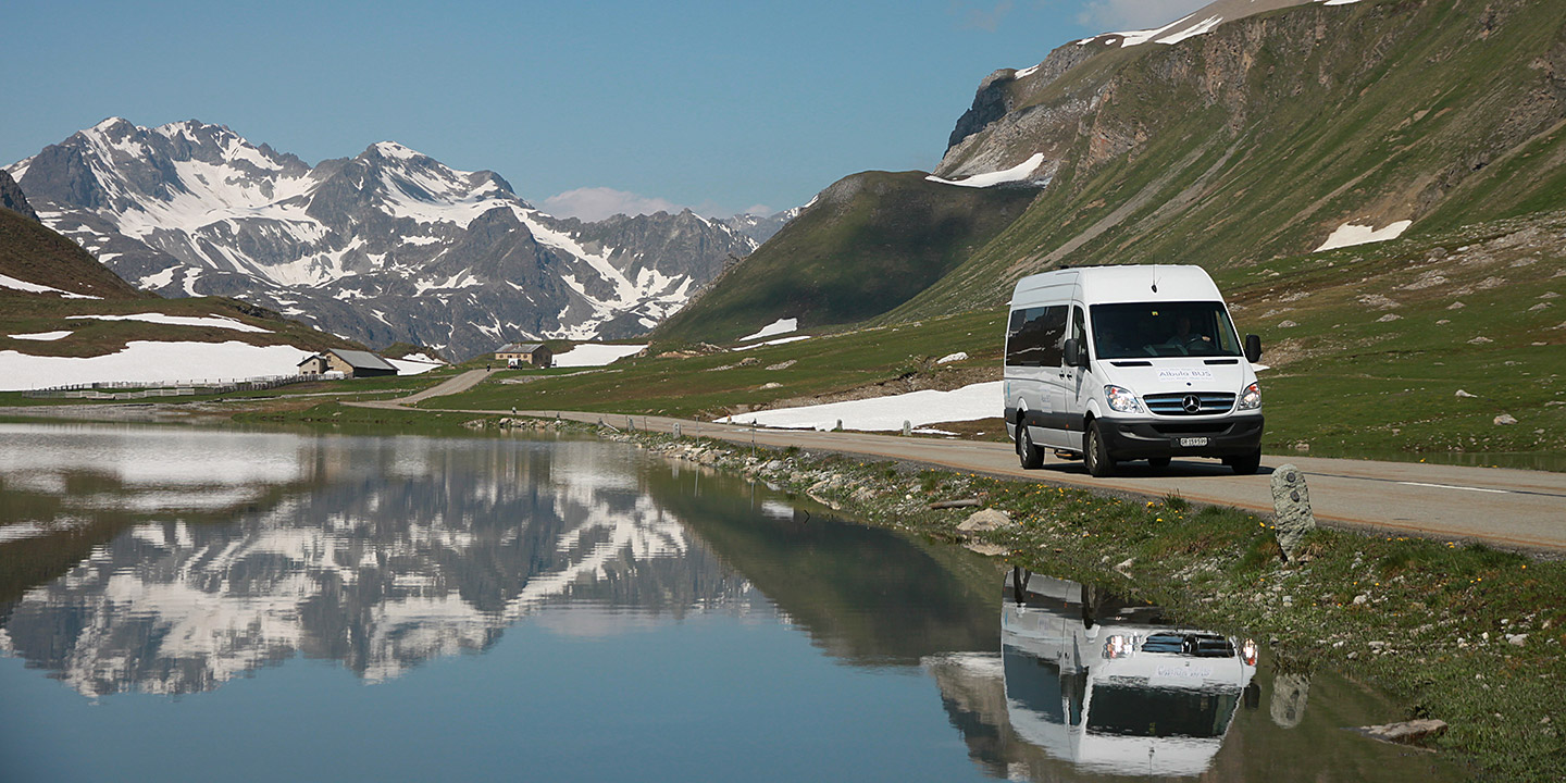 Edelweiss Reisen coach transfer Swiss Alps